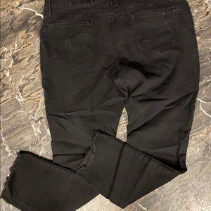 Distressed Black Skinny Jeans